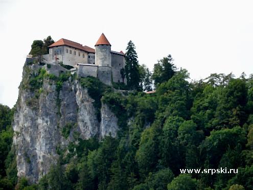 Замок на горе над Бледом
