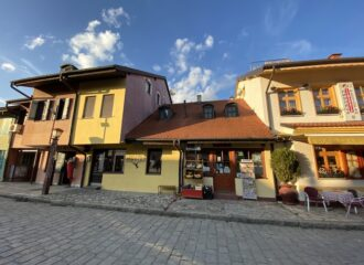 Старый район города Валево Тешняр